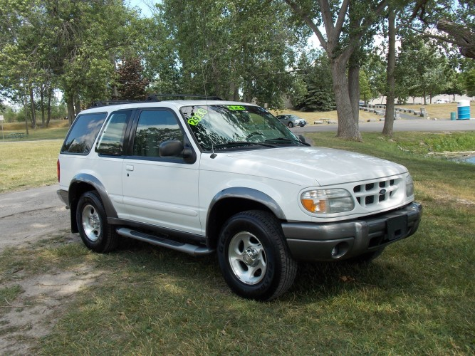 Ford Explorer on 1999 ford super duty f-350 srw, chevrolet tahoe, 1999 ford e-150, chevrolet suburban, ford focus, 1999 ford ranger, 1999 ford windstar, ford excursion, ford edge, 1999 ford taurus, ford bronco, cadillac escalade, 1999 ford f150 heritage, ford explorer sport trac, 1999 ford f450 pickup, ford escape, dodge durango, jeep grand cherokee, lincoln navigator, 1999 ford f350 2wd, ford mustang, 1999 ford f-150, 1999 ford mustang, mercury mountaineer, 1999 ford f350sd, ford ranger, 1999 ford expedition, 1999 ford f150 stx, 1999 ford e-250, ford fusion, 1999 ford escape, 1999 ford contour, ford expedition, ford taurus, 1999 ford f350 super, 1999 ford crown vic, 1999 ford e-series, 1999 ford van, dodge ram, ford flex,
